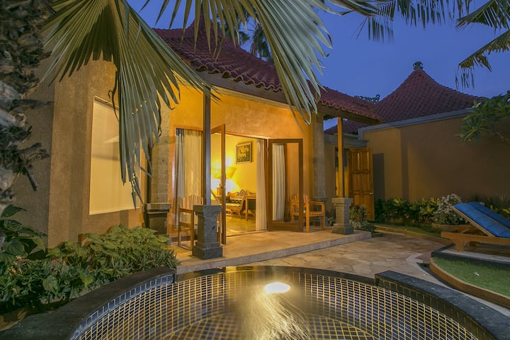 Comfortable 1 Bedroom Jacuzzi Villa with Breakfast