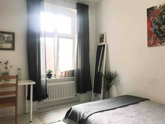 SAFE/CLEAN room at the heart of Prenzlauer Berg