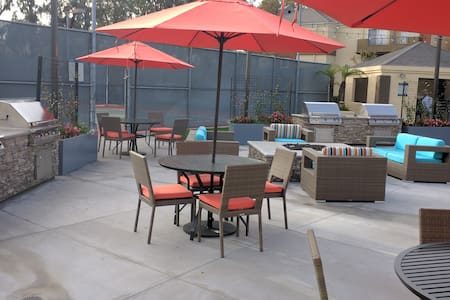 One bedroom apartment in heart of Irvine by 405 - Irvine