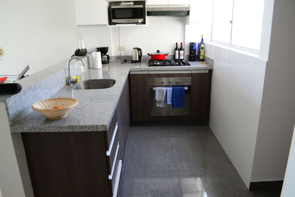 Kitchen, available to guest at all times