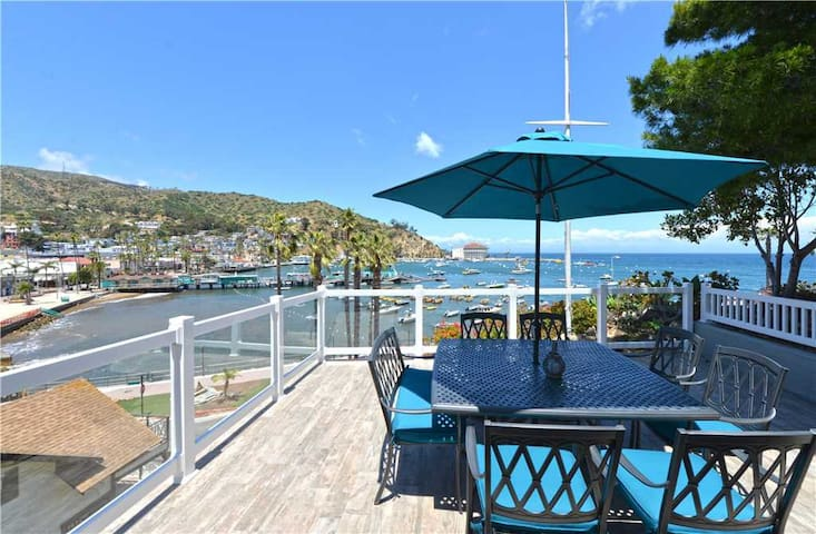 Views, Views, Views! Avalon Home on Front Street