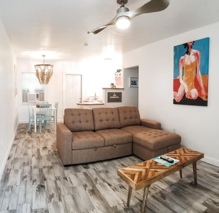 1 bedroom at Beachfront Hotel- Fishtail Palm