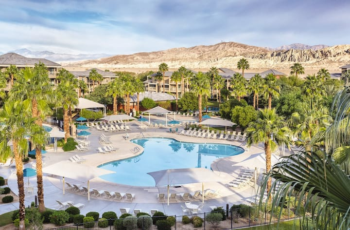 Spring vacation WorldMark by Wyndham Indio resort