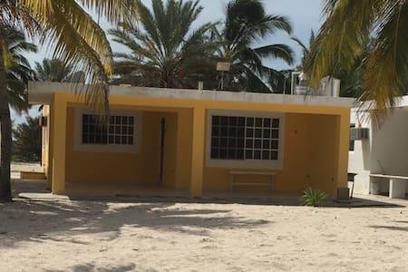 Rocamar Beach House, Chicxulub, YUC.