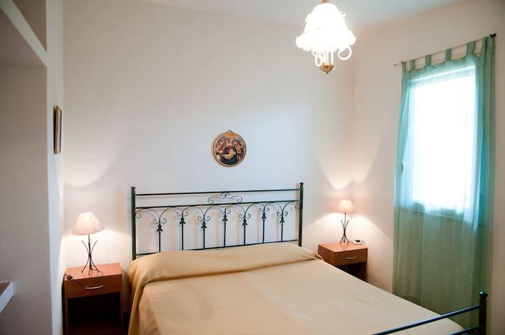 VILLA ANGELA double room  parcheggio riservato