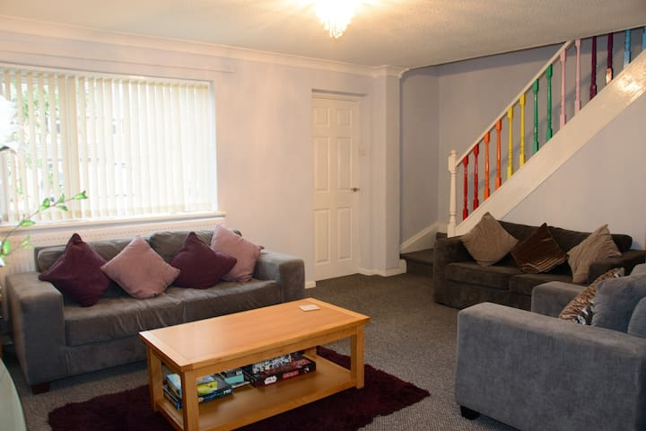 Somnus Holiday Home. Close to A11 & train station