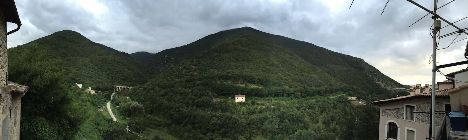 CASA AI PIEDI DELLA RISERVA NATURALE - Pettorano Sul Gizio
