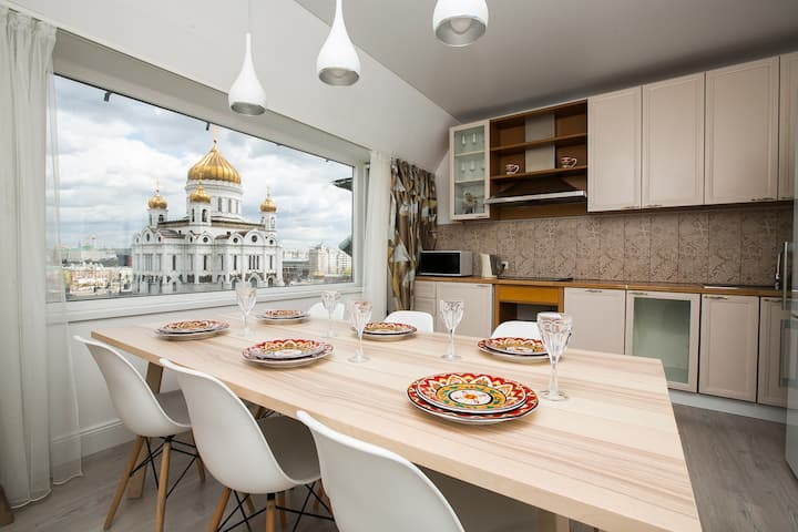 Penthouse in the heart of Moscow. Stunning views.