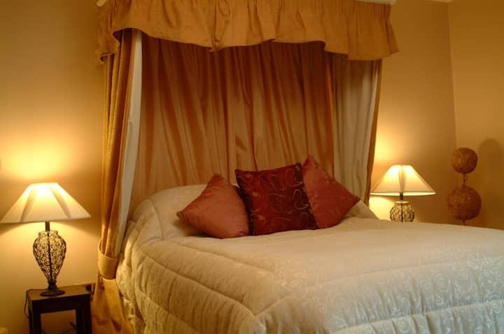 Netley Hall Estate - Rosemary Cottage