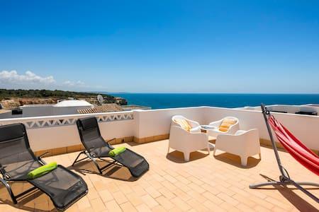 House with a beautiful view! - Carvoeiro - Reihenhaus