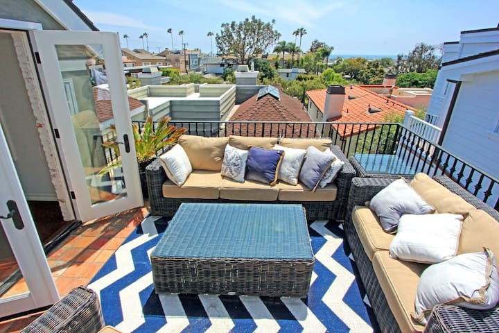 ROOF TOP DECK OCEAN VIEW REMODELED 2 BDR  Sleeps 4 - Corona Del Mar - Apartmen