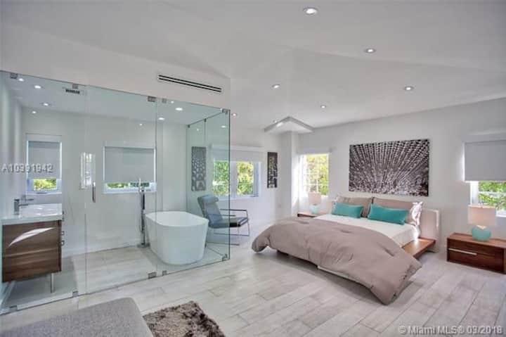 Miami Beach villa 3 beds heart of South Beach