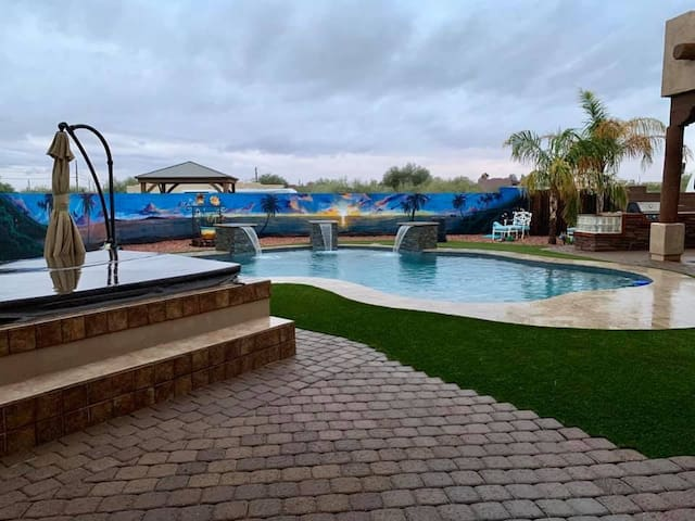 Custom Home near beautiful Superstition Mountains