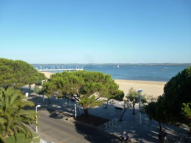 Magnifique vue sur le Bassin :ville et plage - Arcachon - Apartment