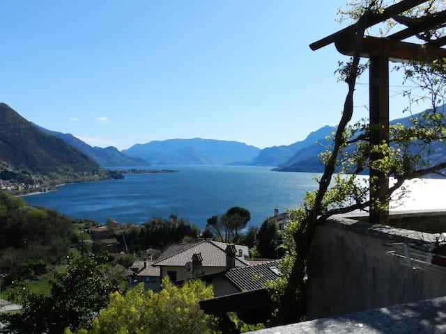 Halbinsel mit traumhafter Aussicht - Olgiasca