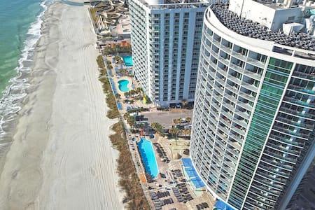❤️Stunning Ocean Front Views steps from Boardwalk/Pier Free Wifi!