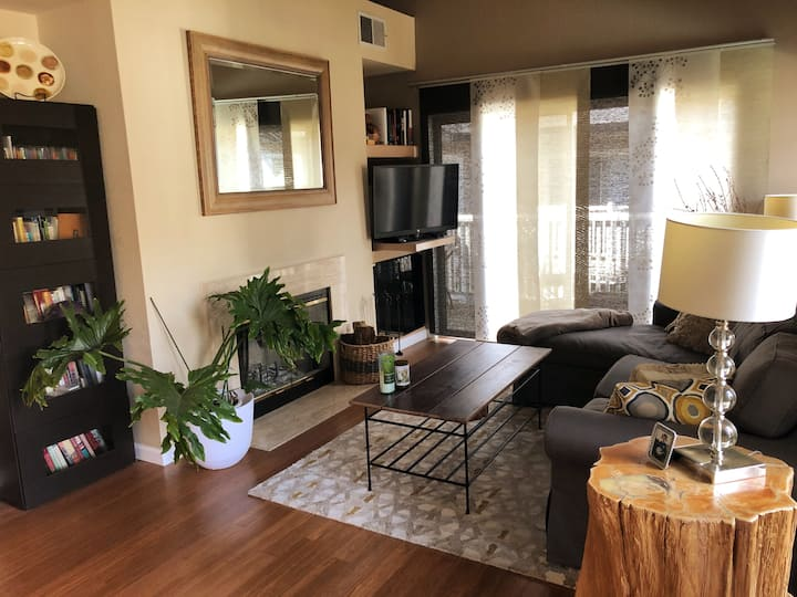 Quiet and cozy condo in Alamo with pool/hot tub