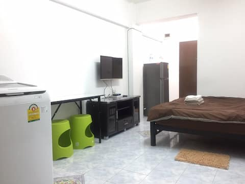 Private studio near Seacon Square & Paradise Park