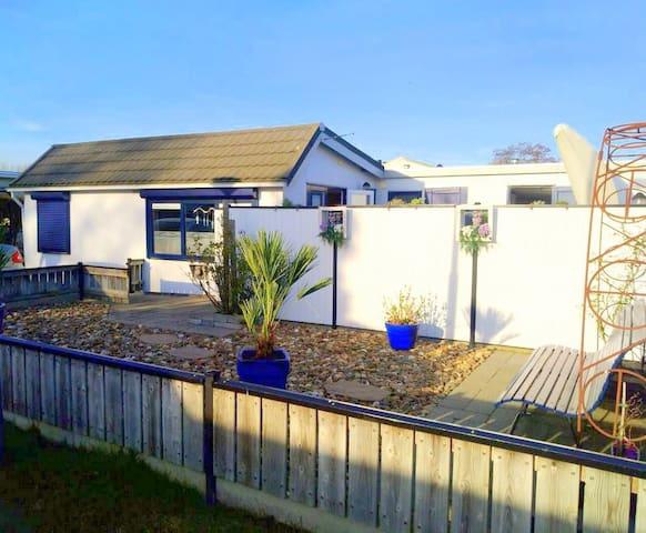 Gemütliches strandnahes Ferienhaus,Burgh-Haamstede