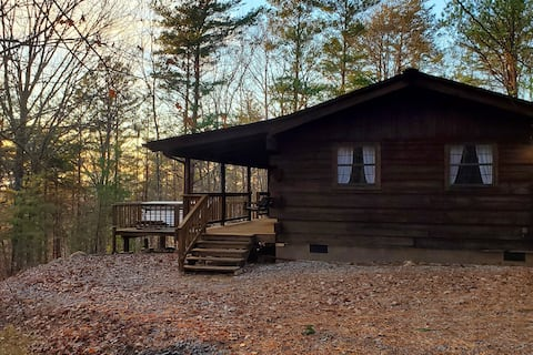 """NEW! The """"Cabin in the Pines"""" w/ Hot Tub"""