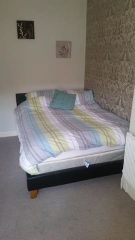 Comfortable double bedroom - Barnstaple - Haus