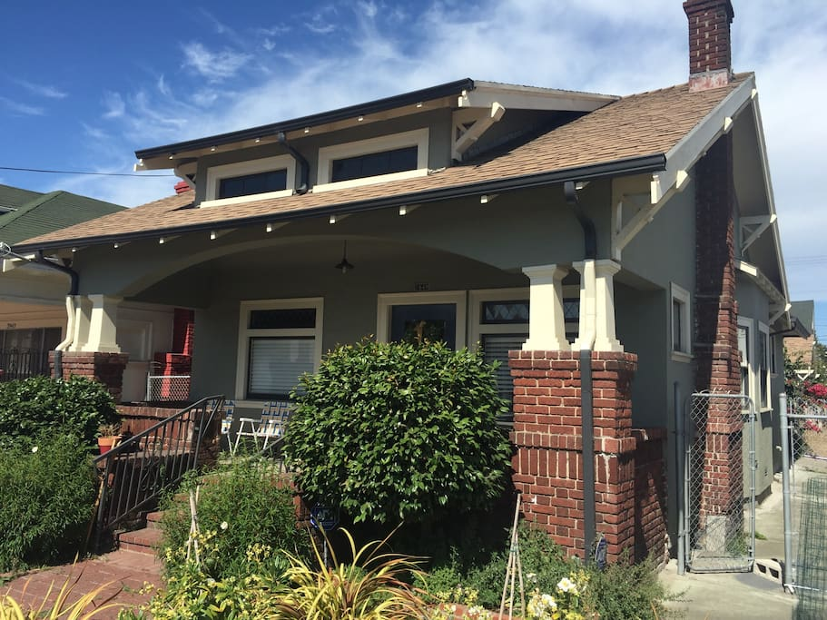 Charming Craftsman Built In 1915 Houses For Rent In Oakland California United States