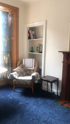 A cozy place to stay in a heart of Edinburgh