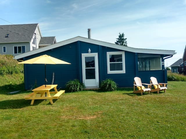 Oceanview Log Cottage-Port Hood, Inverness County