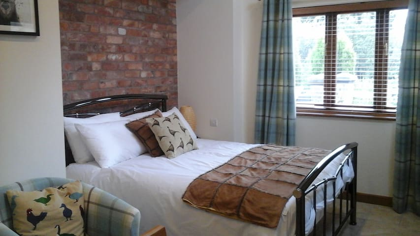 Luxury Self Contained Double Room No.2