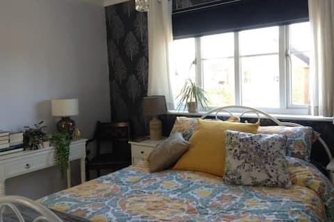 1 x EN SUITE Room in Milton Keynes MK109FX
