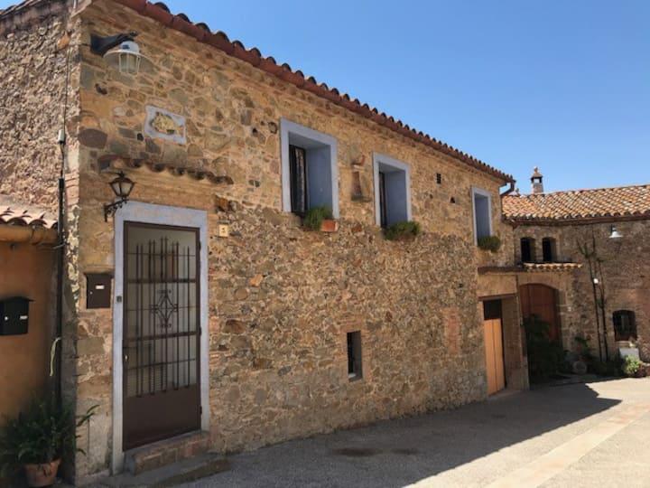 LA BARNOVA - little gem loft in L'Empordà