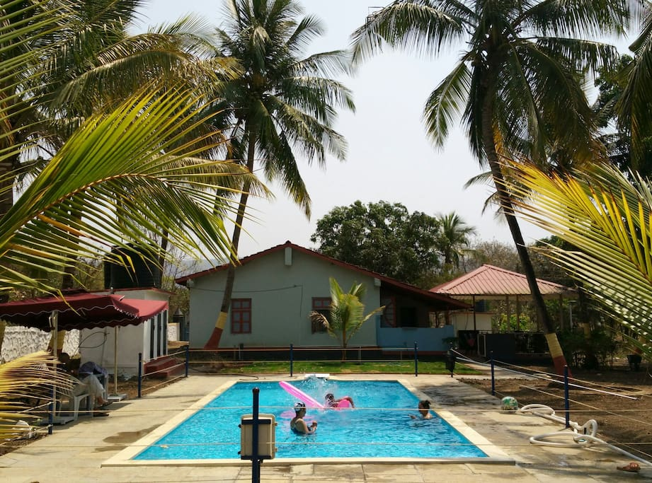 Well maintained pool, where one can relax, play water games and simply have fun