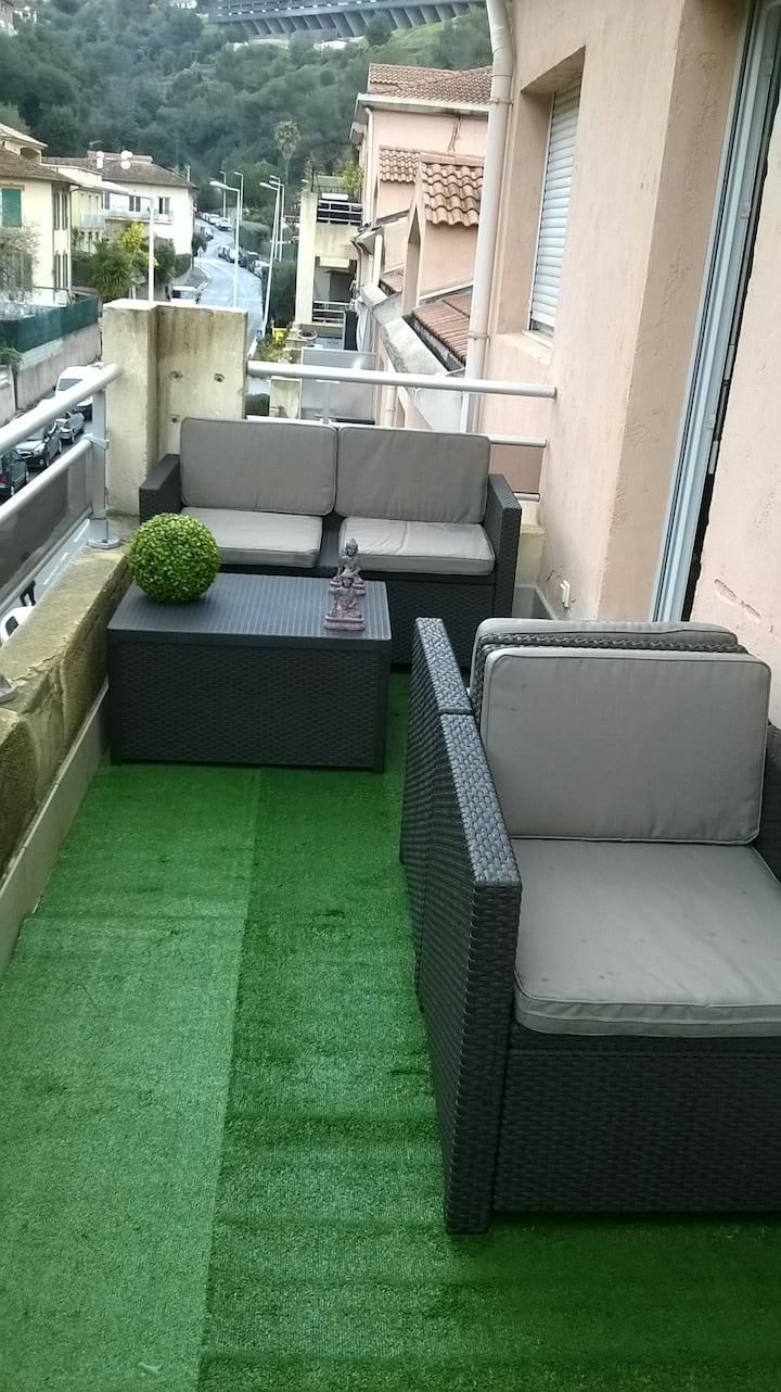 APPARTEMENT NICE OUEST 45M2 TERRASSE 12M2