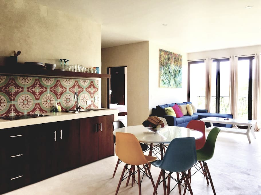 La Sala / The Living room