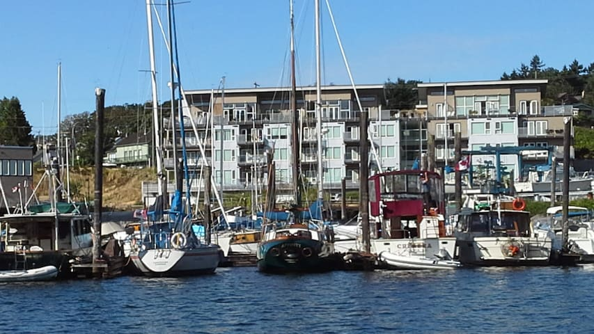 Harbourfront Residence for Business or Pleasure - Nanaimo - Apto. en complejo residencial