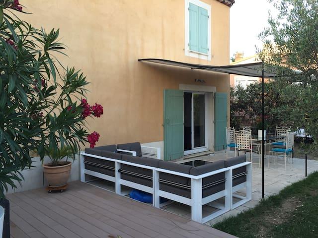le calme de la campagne en ville - Marseille - Villa