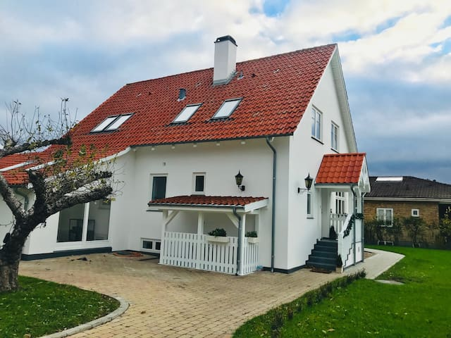 Apartment in large villa in central Vordingborg
