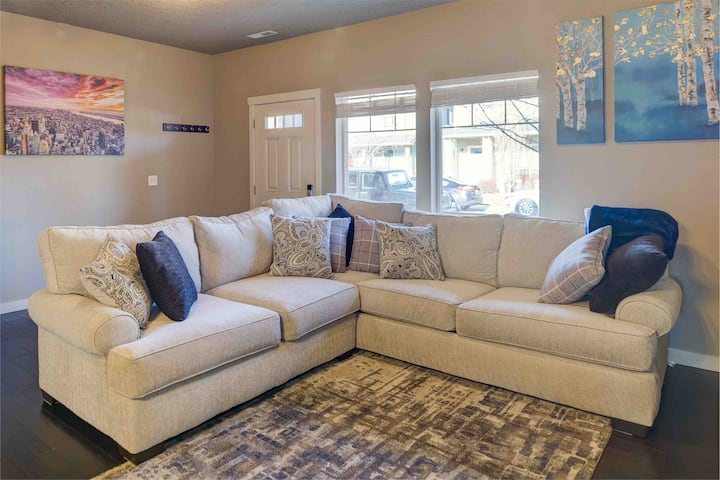 Cozy, charming & centrally located!