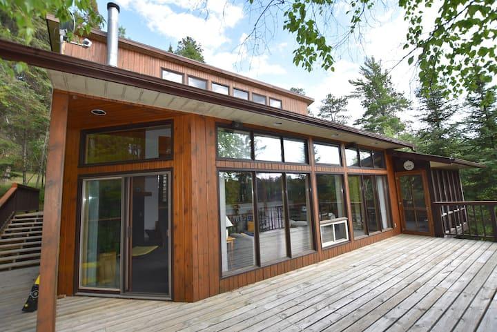Lakefront Family Retreat - Black Sturgeon Lake