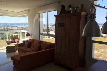 Moderno, elegante e com vista - Palhoça - Квартира