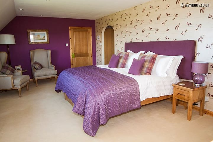 Mey House - The Castle Suite