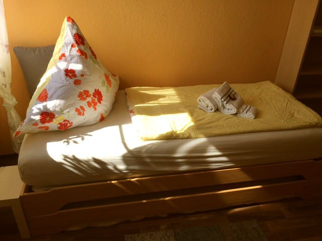 "large friendly room ""Simone"" - Olching - Apartment"