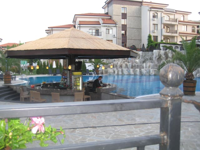 Spacious apartment in luxury resort - Aheloy - Apartment