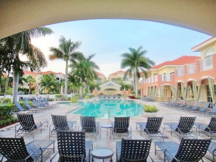 Poshpadz Presents Oceana Bliss 5 Minutes To Beach Condominiums For Rent In Palm Beach Gardens