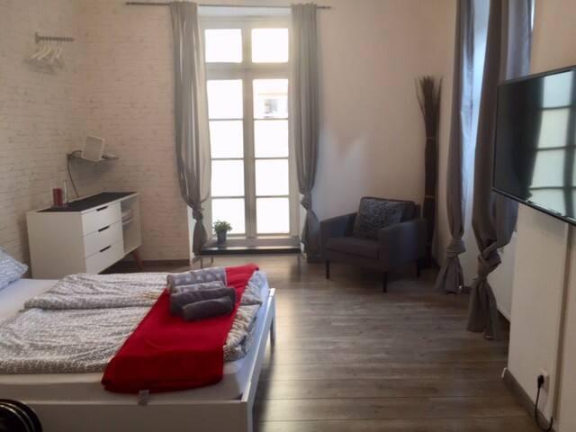 Großes Ein-Zimmer-Apt. Durlach-Altstadt