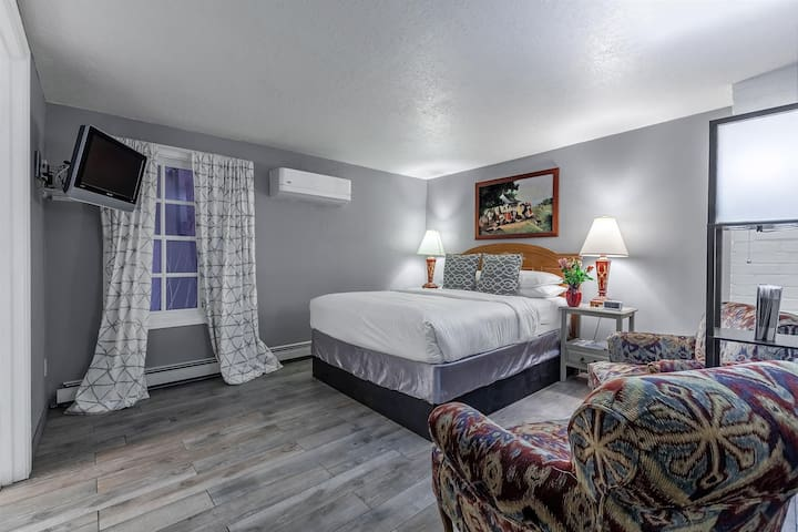 Historic Santa Fe B&B - Standard Queen Room