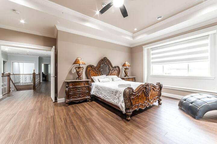 Elegant Master Bedroom with Jacuzzi & Huge Closet