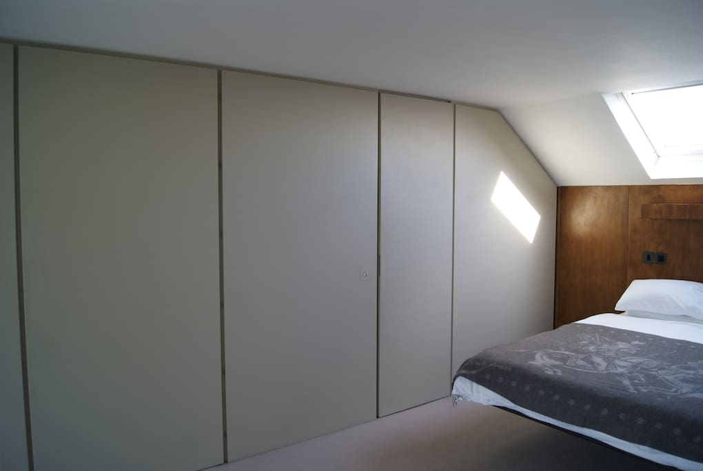 Room to let with concealed doors to ensuite shower room and wardrobes