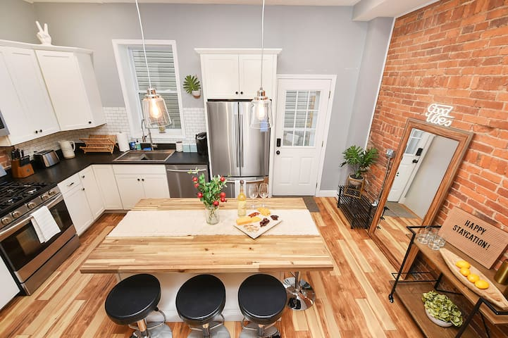 🏠✌ INDUSTRIAL CHARM - Lawrenceville Home for TEN