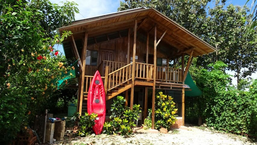 Pura Vida Living Center -Casa Titon - Puerto Carrillo - Cabana